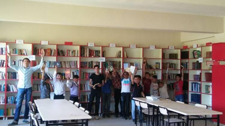 Türkçe Eğitimi Programından Muş Hasköy'e Kitap Desteği